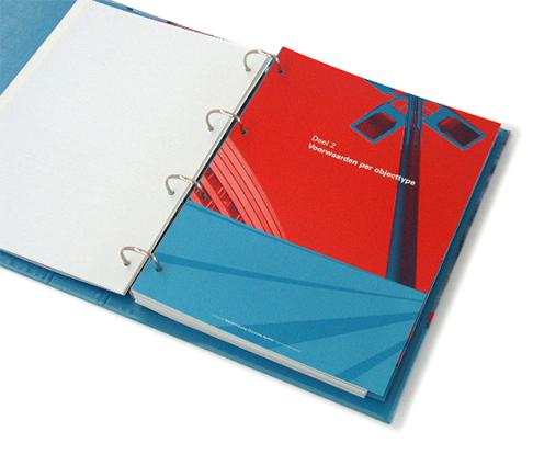 Ringmap met tabbladen voor de Dienst Openbare Werken van de Gemeente Haarlemmermeer, Hoofddorp. Ontwerp, fotografie en drukwerk.