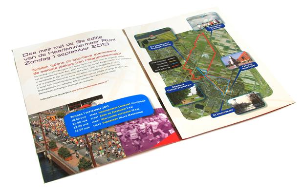 Drieluik folder voor de Haarlemmermeerrun. Routekaartje getekend. Kleurige full colourdruk.