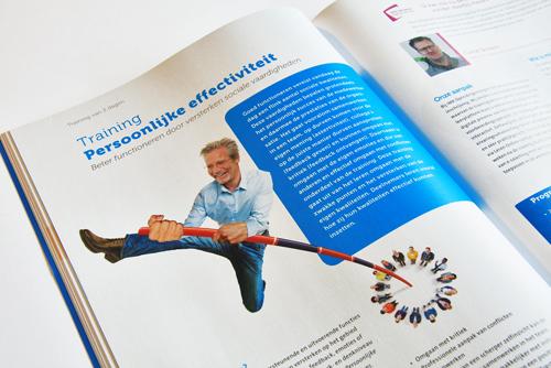 Spread van de opleidingsgids, elk half jaar een nieuw grafisch ontwerp. IMK opleidingen uit Alphen aan den Rijn. Illustratie persoonlijke effectiviteit.