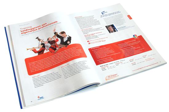 Mooie spread van de nieuwste gids voor IMK opleidingen uit Alphen aan den Rijn. Vormgeving en illustratie.